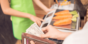 04.15.16 paying for groceries (tinypng)